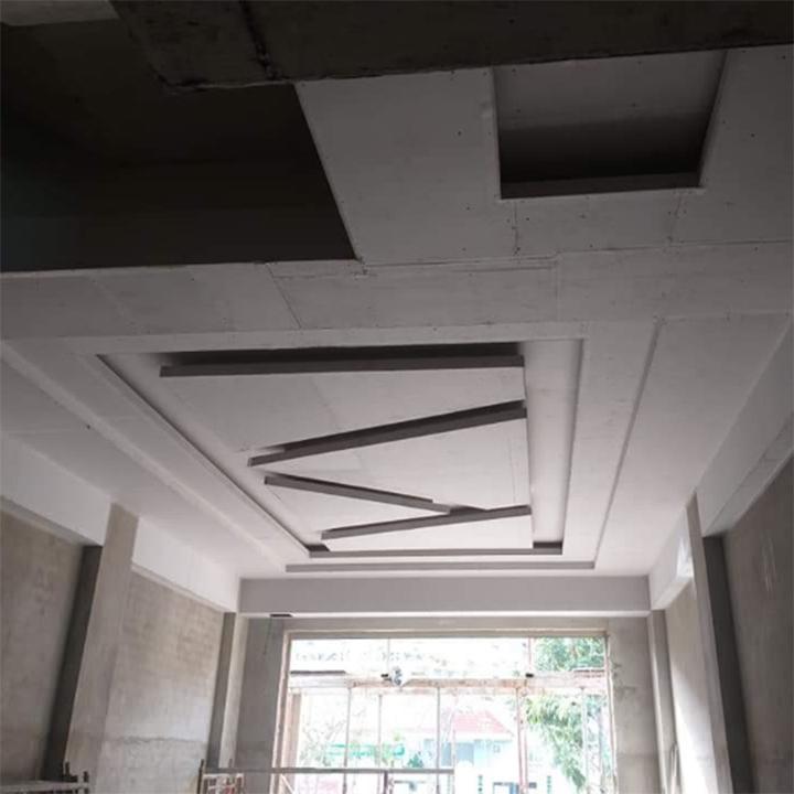 Trần nhà thạch cao kiểu cách tạo điểm nhấn cho căn nhà