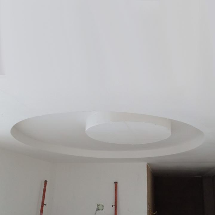 Thi công trần nhà đúc thạch cao